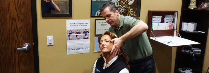 Chiropractor Oak Creek WI Daniel Hyatt Neck Adjustment