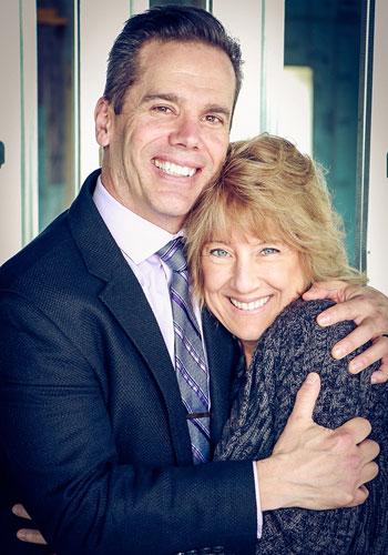 Chiropractor Oak Creek WI Daniel Hyatt and Carrie Hyatt