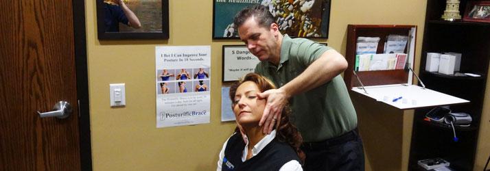 Chiropractor Oak Creek WI Daniel Hyatt Neck Adjustment